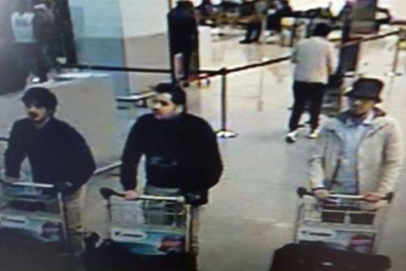 Los presuntos atacantes del aeropuerto. Los hermanos El Bakraui y Najim Laachraui Foto: AFP.