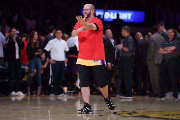 El fanático de los Lakers que ganó el espectáculo de medio tiempo. Foto: @Lakers