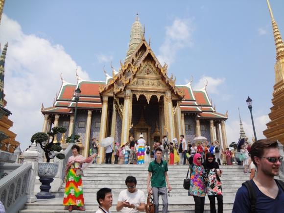 Turistas en el Palacio Real de Bangkok. Foto: Déborah Friedmann
