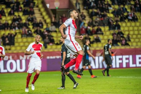 El festejo de Radamel Falcao tras uno de sus tantos. Foto: @AS_Monaco_ES