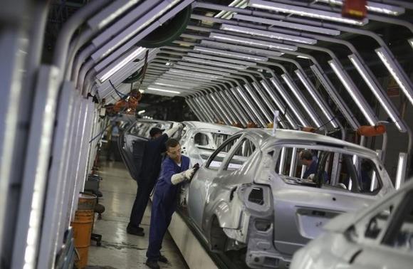 Trabajadores de Ford en la planta de Sāo Bernando de Campo. Foto: Reuters