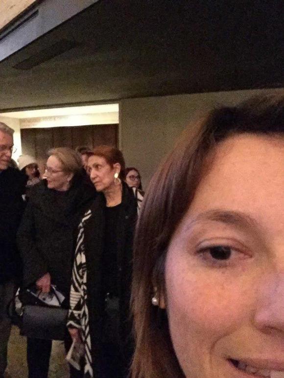 Una selfie para mostrar que estuvo junto a Meryl Streep. Aunque no le habló.