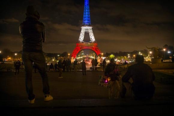 La Torre Eiffel volvió a cerrar este martes. Foto: EFE.