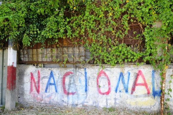 Pintadas de Nacional y Peñarol e muros y fachadas. Foto: M. Bonjour
