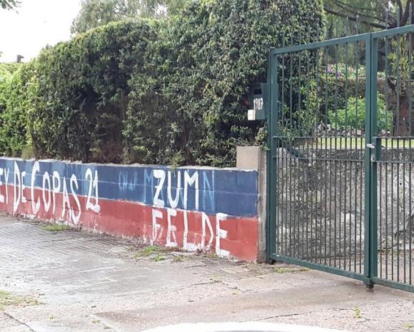 Pintadas de Nacional y Peñarol e muros y fachadas. Foto: Municipio E