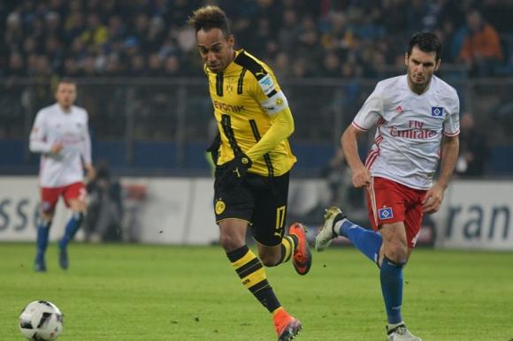 El delantero gabonés se despachó con cuatro goles y se llevó el balón. Foto: EFE