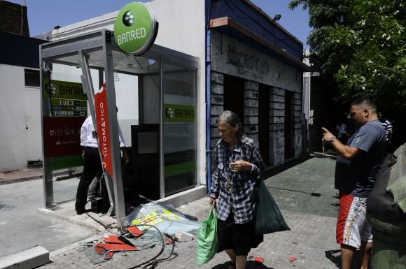 Cajero intentaron robar en Sayago. Foto: Leonardo Maine