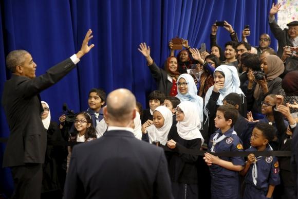 Barack Obama durante su visita a una mezquita en Baltimore. Foto: AFP