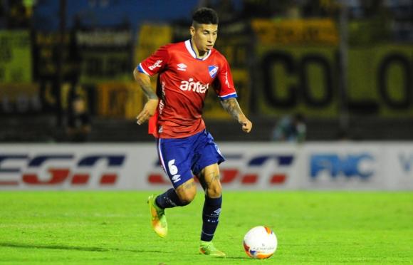 Debutante. Mathías Olivera ocupará el lateral izquierdo. Foto: Marcelo Bonjour