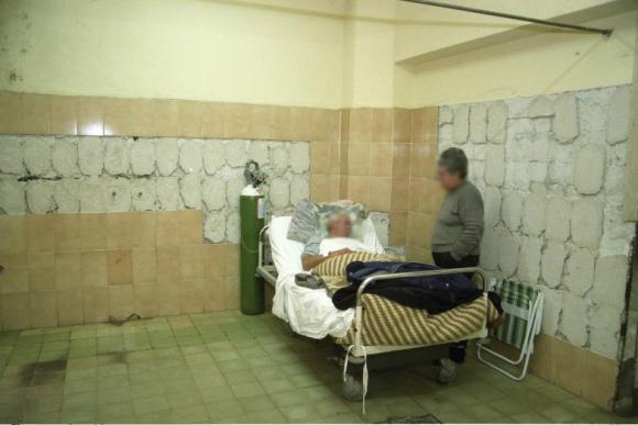 Una habitación del Hospital de Clínicas algunos años atrás. En ese hospital las condiciones edilicias son muy dispares. Foto: Ariel Colmegna.