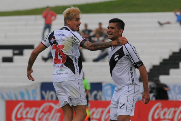Dos Santos y Ardaiz los jóvenes goleadores de Danubio. Foto: Ariel Colmegna