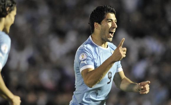 El partido en el que Luis Suárez le anotó 4 goles a Chile. Foto: Ariel Colmegna