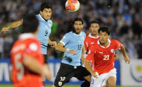 El partido en el que Luis Suárez le anotó 4 goles a Chile. Foto: Archivo El País