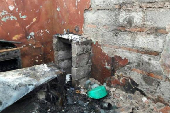 Así quedó la vivienda que se incendió en Fraile Muerto. Foto: Néstor Araújo.