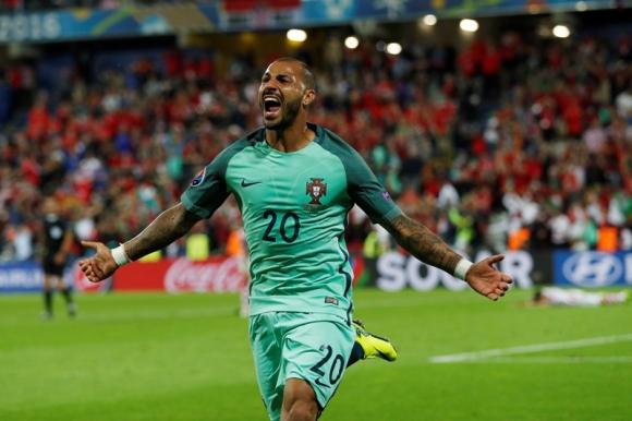 El jugador del Besiktas convirtió el único gol del encuentro.Foto: Reuters