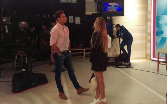 Camila habla con Fernando Parada Villar (Foto: Yaespectaculos.com)