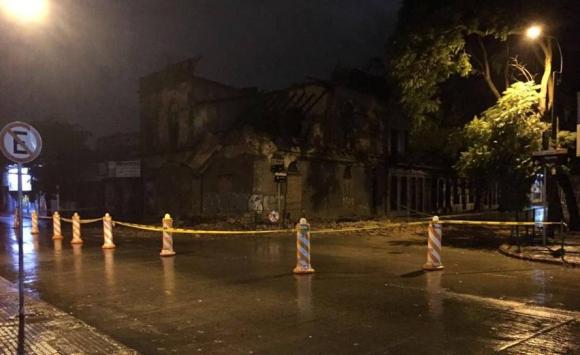 Una vivienda se derrumbó en Arenal Grande y Miguelete. Foto: Pablo Ferrer.