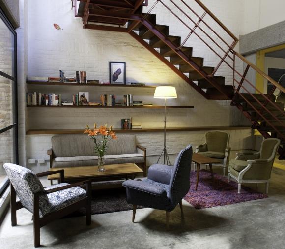 Bogotá. Espacios dan facilidades para trabajar pero con ambiente de hogar.
