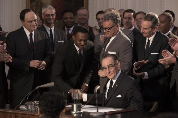 Martin Luther King, interpretado por Anthony Mackie, es otro personaje clave del film.