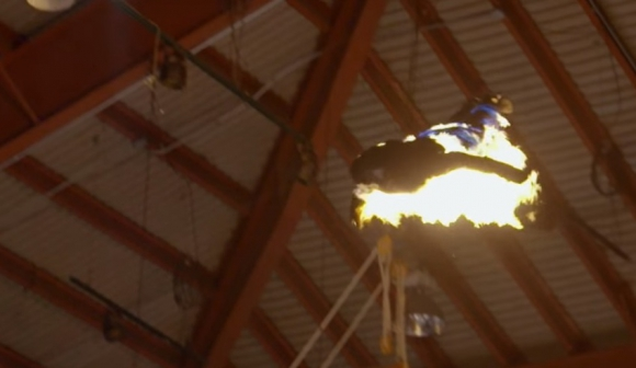 Brian Miser, durante su vuelo como flecha humana. Foto: captura de pantalla