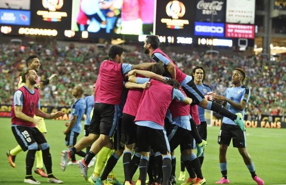 Uruguay-México. Foto: AFP.