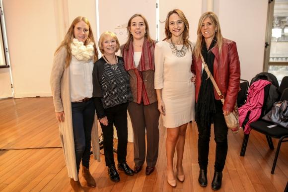 Soldedad Ortíz, Cristina Sancassano, Macarena Castellanos, Verónica Raffo, Mercedes Aztigarraga.