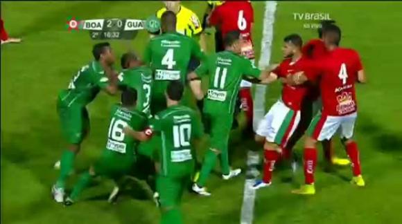Boa Esporte vs Guaraní - Brasil (Ataque a árbitro)