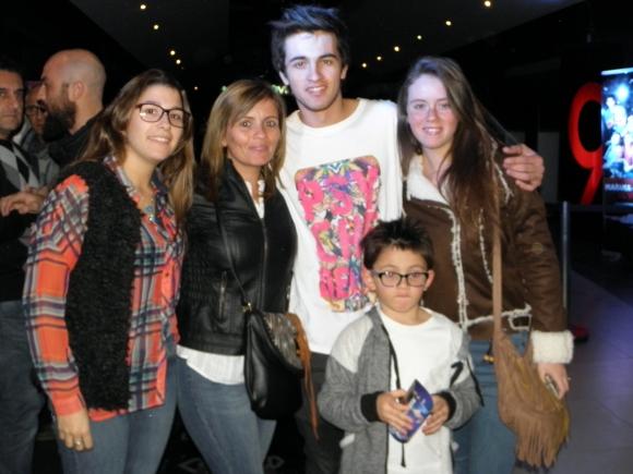 Brian García de Rombai junto a su familia.