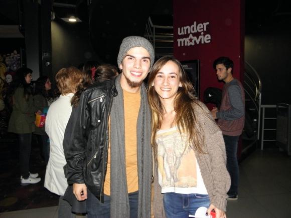 Lautaro Moreno, de Márama, con una amiga.