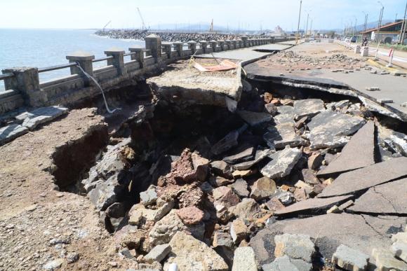 Tras una primera evaluación, se calcula que costará US$ 800 mil para reparan la rambla. Foto: Ricardo Figueredo