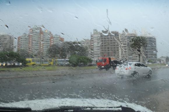 Sistemas de emergencia alertas por la llegada de un ciclón. Foto: Fernando Ponzetto