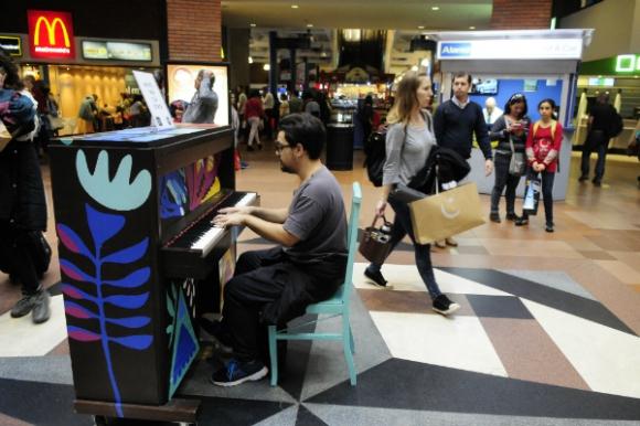 Soy tu piano estará hasta el miércoles 7 en Tres Cruces. Foto: Marcelo Bonjour.