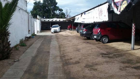 Algunos de los autos hallados en el parking. Foto: Ministerio del Interior