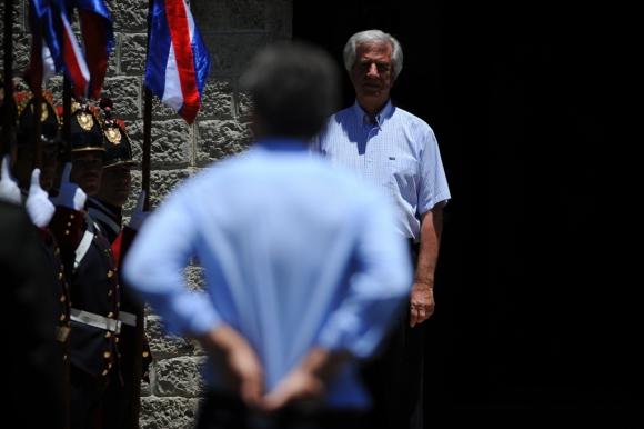 Tabaré Vázquez y Mauricio Macri. Foto: Fernando Ponzetto
