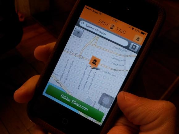 Aplicación para conseguir taxi, Easy Taxi. Foto: Archivo El País