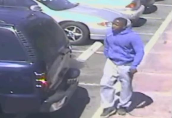 Video muestra que el joven portaba un arma. Foto: Captura