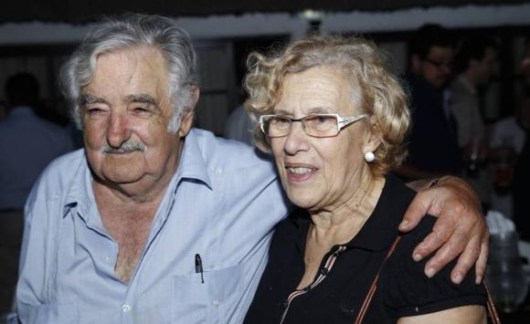 José Mujica y Manuela Carm,ena en el Quincho de Varela. Foto: EFE.