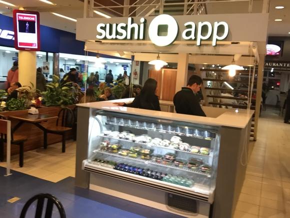 Tres Cruces. En el shopping, Sushi App tiene un formato exprés. (Fotos: Andrés Silvera)