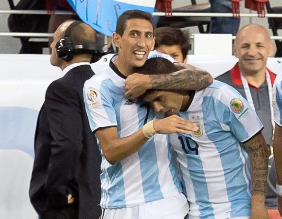 Di María y Banega anotaron los goles para Argentina. Foto: Reuters.