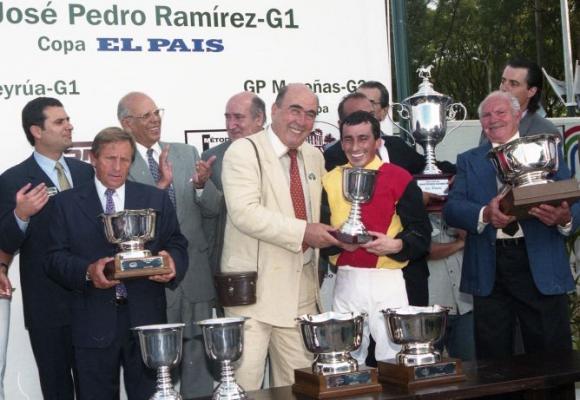 Una tarde de 6 de enero, en Maroñas, en entrega de premios. Foto: El País