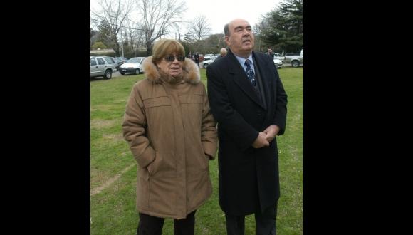 Con su esposa, Lila Regules. Foto: El País