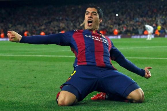 Luis Suárez celebra el gol de Barcelona en el clásico. Foto. Reuters.