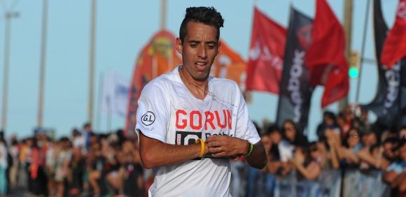 """Segundo. Martín Cuestas se subió al podio: 30'10""""."""