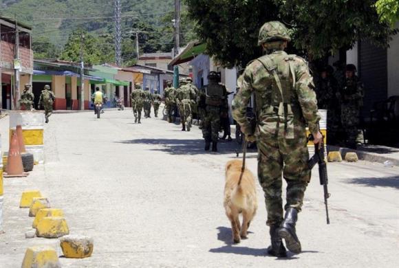 Ratrillaje militar en Colombia. Foto: EFE