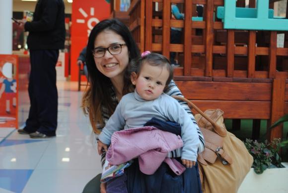 Perla De León, Juanita Sánchez.