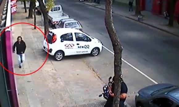 Las cámaras captaron los movimientos del autor del crimen. Foto: Unicom