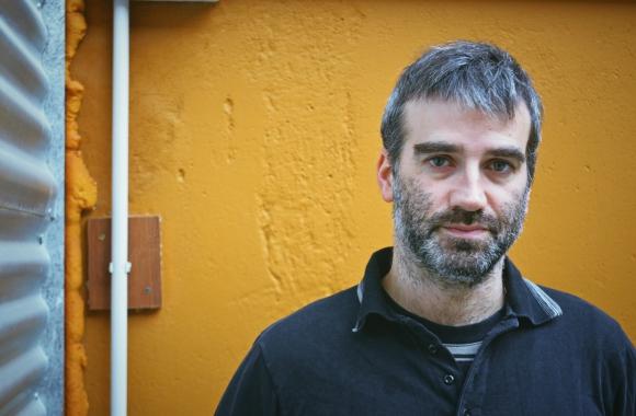 Daniel Hendler habla de su próxima película. Foto: Alejandra Pintos.
