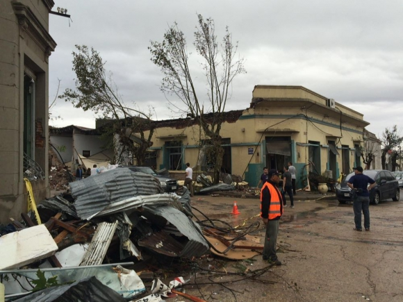 Dolores el día después del tornado. Foto: Juan Gari