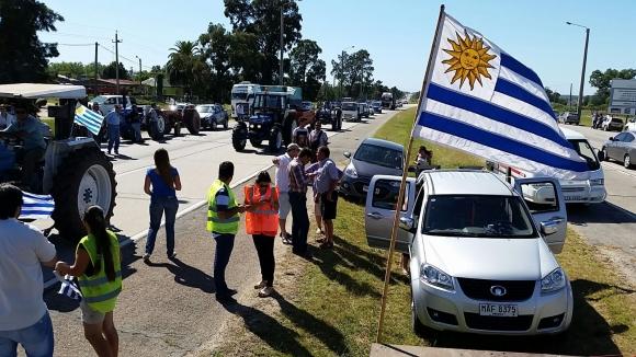 Protesta de tamberos en Libertad por suba de tarifas. Foto: Ariel Colmegna