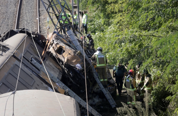 se investigan las causas del siniestro ferroviario. Foto: Reuters